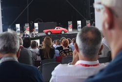 Ferrari storica all'asta di beneficenza per Save the Children