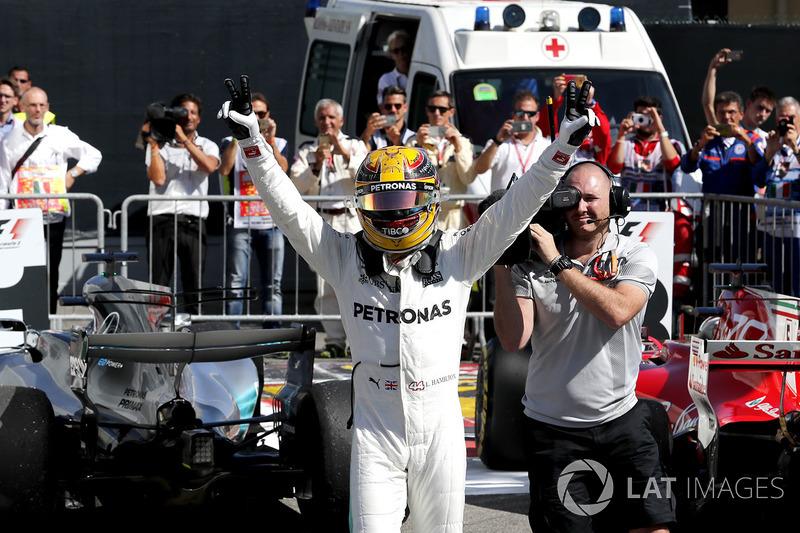 Vainqueur : Lewis Hamilton (Mercedes)