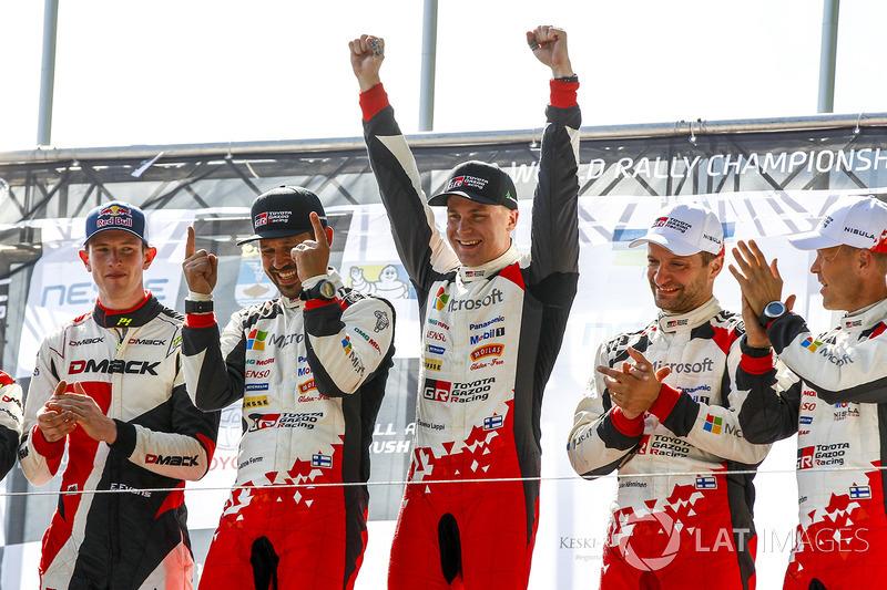 Podio: i vincitori Esapekka Lappi, Janne Ferm, Toyota Racing, al secondo posto Elfyn Evans, Daniel Barritt, M-Sport, al terzo posto Juho Hänninen, Kaj Lindström, Toyota Racing