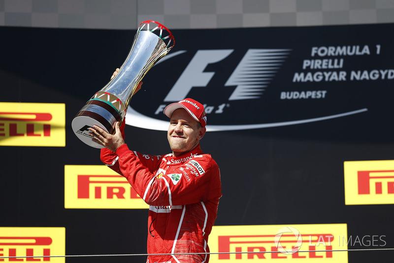 С Ferrari Феттель побеждал на девяти разных трассах. При этом на восьми из них (Австралия, Бахрейн, Монако, Канада, Великобритания, Бельгия, Бразилия, Сингапур) он выигрывал и прежде, а вот Гран При Венгрии Себу до Скудерии не покорялся