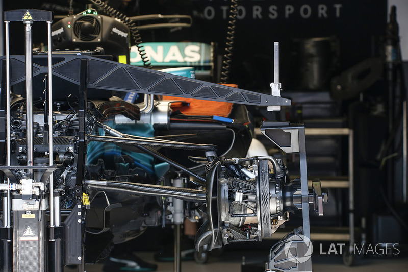 Mercedes W08: Bremse
