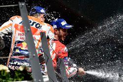 Marc Marquez, Repsol Honda Team, Andrea Dovizioso, Ducati Team, sur le podium