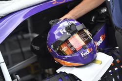 Helm von Denny Hamlin, Joe Gibbs Racing Toyota