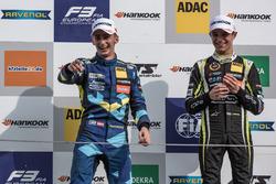 Podium: segundo, Ferdinand Habsburg, Carlin, Dallara F317 - Volkswagen, ganador, Lando Norris, Carli