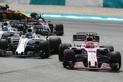 Esteban Ocon, Sahara Force India F1 VJM10, Lance Stroll, Williams FW40, Felipe Massa, Williams FW40