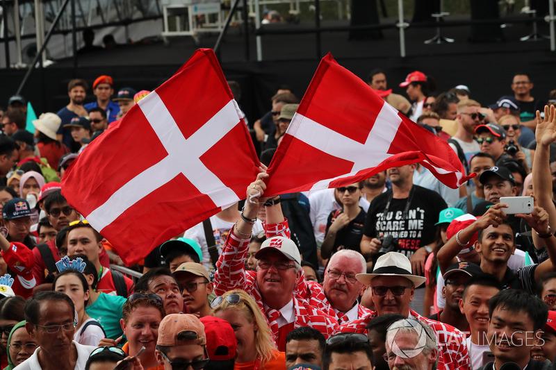 Fans dan bendera Denmark