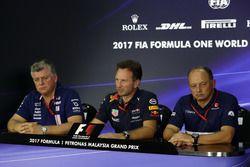 Otmar Szafnauer, jefe de operaciones de Sahara Force India Formula One Team, Christian Horner, Red B