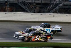 Myatt Snider, Kyle Busch Motorsports Toyota, Regan Smith, Ricky Benton Racing Ford y Johnny Sauter,