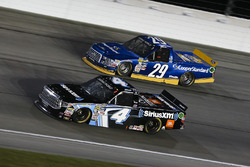 Christopher Bell, Kyle Busch Motorsports Toyota, Chase Briscoe, Brad Keselowski Racing Ford