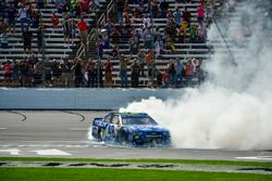 Jimmie Johnson, Hendrick Motorsports Chevrolet celebrates with a burnout after winning