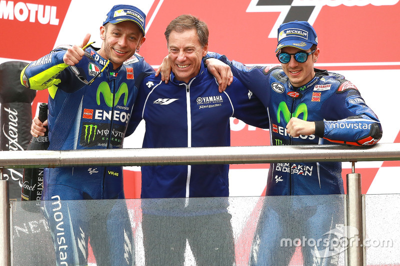 Podio: Valentino Rossi, Yamaha Factory Racing, Lin Jarvis, Yamaha Factory Racing Managing Director,