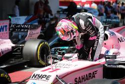 Sergio Perez, Sahara Force India VJM10 arrives in parc ferme