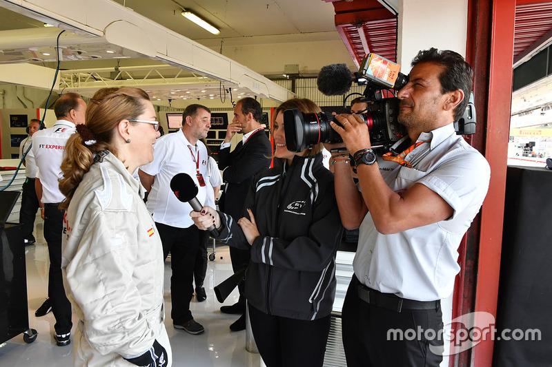 Пассажир двухместного автомобиля F1 Experiences