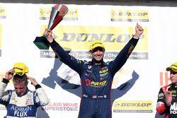 Podium: race winner Andrew Jordan, West Surrey Racing Racing BMW 125i M Sport