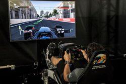 Fernando Alonso, McLaren en el Simulador