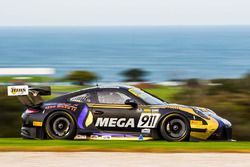 #911 Porsche 911 GT3-R: Liam Talbot, John Martin