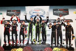 P podium: winners Scott Sharp, Ryan Dalziel, Brendon Hartley, Tequila Patrón ESM, second place Eric