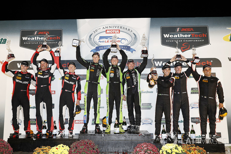 Podium: pemenang Scott Sharp, Ryan Dalziel, Brendon Hartley, Tequila Patrón ESM, P2 Eric Curran, Dane Cameron, Mike Conway, Action Express Racing, P3 Helio Castroneves, Simon Pagenaud, Juan Pablo Montoya, Team Penske