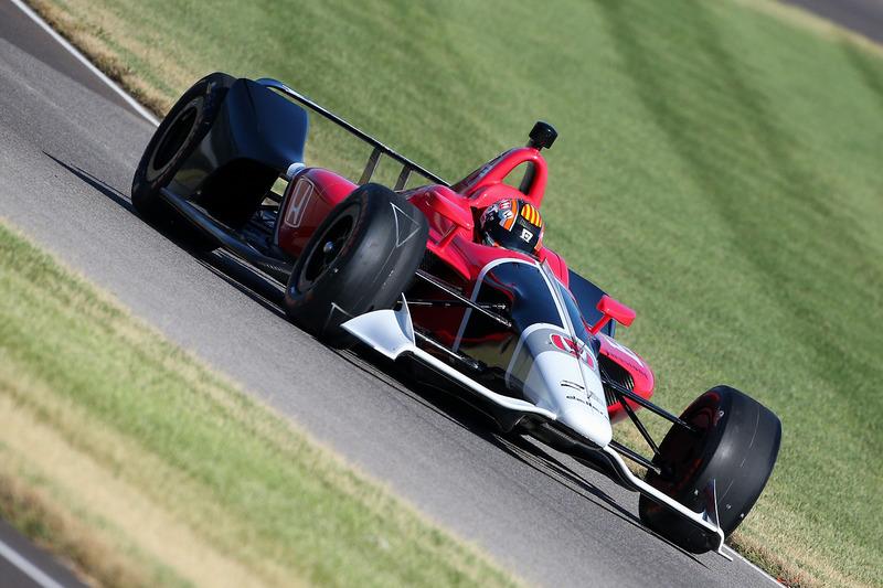 Oriol Servia prueba el Honda IndyCar 2018