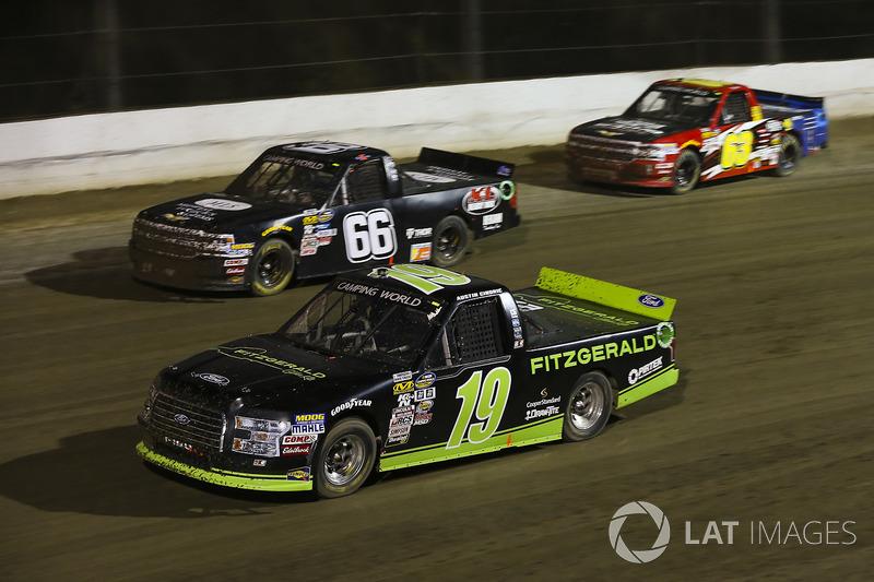 Austin Cindric, Brad Keselowski Racing Ford and Ken Schrader, K&L Ready Mix/ Midwest Logistics Systems Chevrolet Silverado