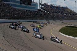 Start: Helio Castroneves, Team Penske Chevrolet, Will Power, Team Penske Chevrolet