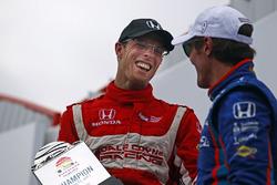 Race winner Sébastien Bourdais, Dale Coyne Racing Honda and third place Scott Dixon, Chip Ganassi Ra