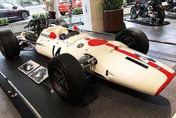 Honda RA300(ジョン・サーティース)