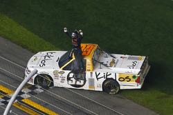 Kaz Grala, GMS Racing Chevrolet festeggia la sua vittoria con un burnout