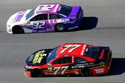 Erik Jones, Furniture Row Racing Toyota en Matt DiBenedetto, Go Fas Racing Ford