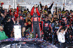 Kurt Busch, Stewart-Haas Racing Ford, celebrates his win in Victory Lane