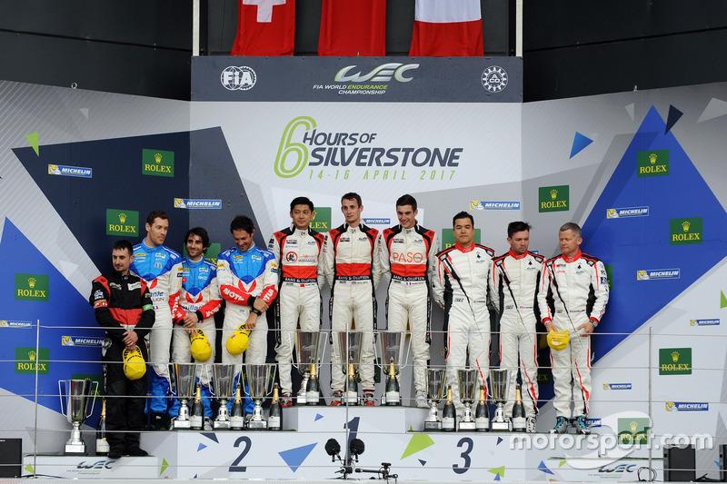 Podium LMP2: Race winners #38 DC Racing Oreca 07 Gibson: Ho-Pin Tung, Oliver Jarvis, Thomas Laurent,