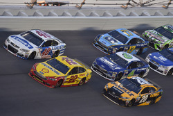 Joey Logano, Team Penske Ford, Jimmie Johnson, Hendrick Motorsports Chevrolet, Matt Kenseth, Joe Gib