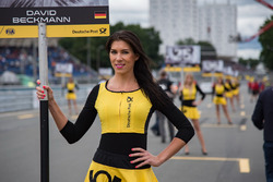 Grid girl of David Beckmann, Motopark, Dallara F317 - Volkswagen