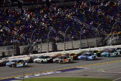 Ricky Stenhouse Jr., Roush Fenway Racing Ford, Kasey Kahne, Hendrick Motorsports Chevrolet, Ty Dillo