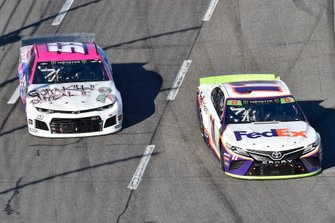 Denny Hamlin, Joe Gibbs Racing, Toyota Camry FedEx Freight, J.J. Yeley, Rick Ware Racing, Chevrolet Camaro GOTTA KILL IT TO HEAL IT