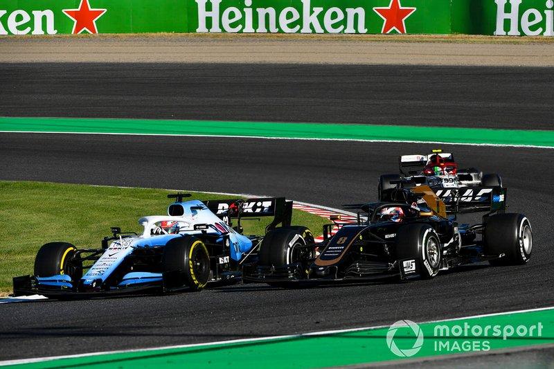 George Russell, Williams Racing FW42, Romain Grosjean, Haas F1 Team VF-19 and Antonio Giovinazzi, Alfa Romeo Racing C38 battle