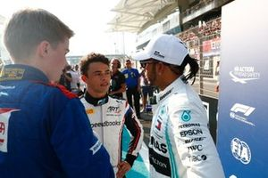 Nyck de Vries, Lewis Hamilton, Mercedes AMG F1, and Robert Shwartzman
