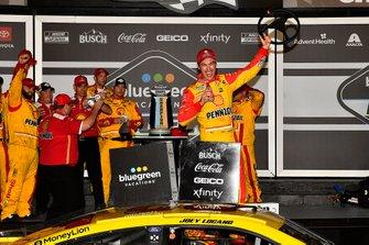 Race winner Joey Logano, Team Penske, Ford Mustang Shell Pennzoil