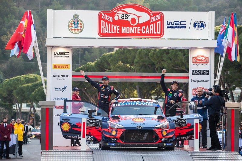 Il vincitore Thierry Neuville, Nicolas Gilsoul, Hyundai Motorsport Hyundai i20 Coupe WRC
