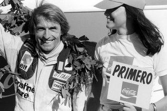 Podium : le vainqueur Jacques Laffite, Ligier JS11 Ford