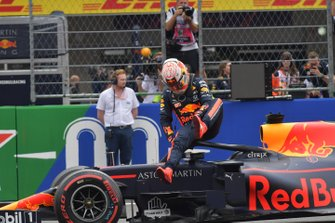 Pole man Max Verstappen, Red Bull Racing, arrives on the grid after Qualifying
