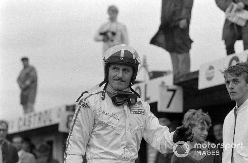 Zandvoort 1968: Graham Hill wandelt door de pits