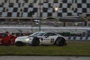 #98 Aston Martin Racing Aston Martin Vantage GT3: Pedro Lamy, Ross Gunn, Mathias Lauda, Andrew Watson