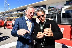 Sean Bratches, Director General de Operaciones Comerciales, Grupo Fórmula Uno, e invitado en la parrilla