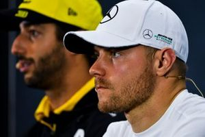 Valtteri Bottas, Mercedes AMG F1 and Daniel Ricciardo, Renault F1 Team In the Press Conference