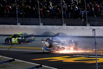 Ryan Newman, Roush Fenway Racing, Ford Mustang, crash