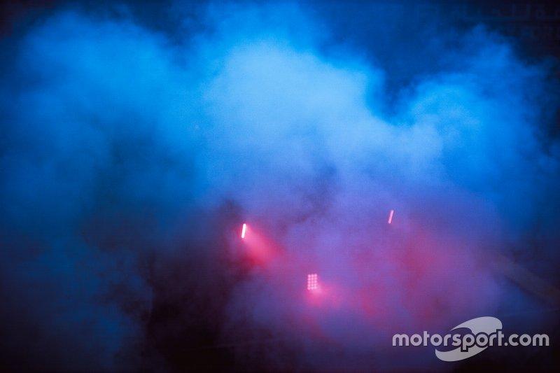 Max Verstappen, Red Bull Racing RB15, doing burnout