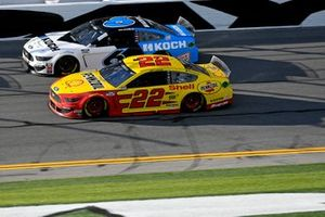 Joey Logano, Team Penske, Ford Mustang Shell Pennzoil, Ryan Newman, Roush Fenway Racing, Ford Mustang Koch Industries
