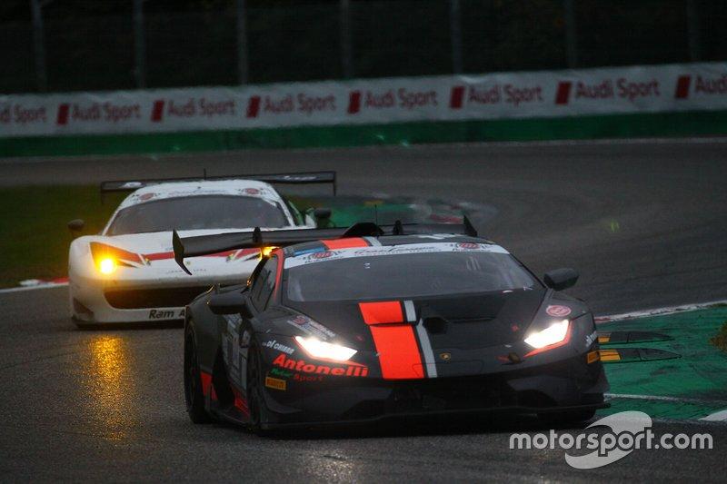 #102 Lamborghini Huracan SuperTrofeo GT Light, Antonelli Motorsport: Mattia Michelotto