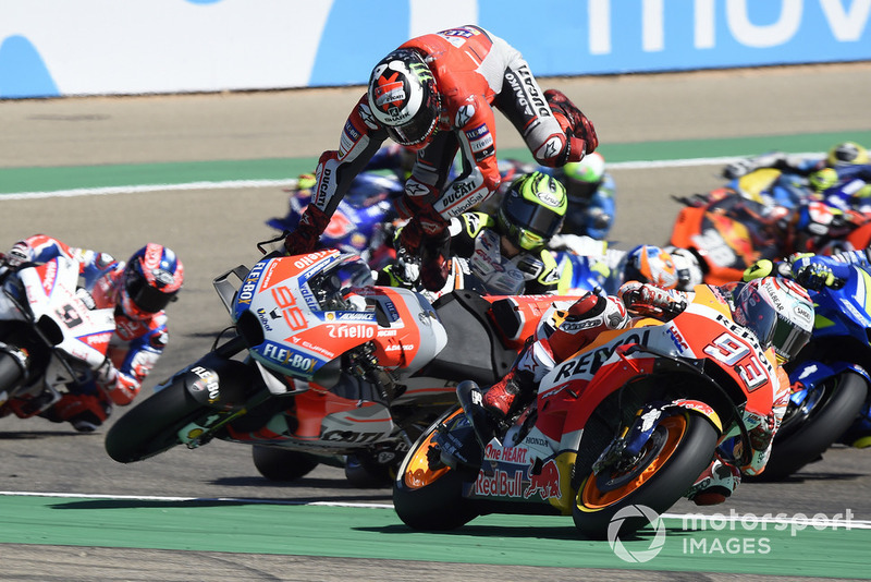 Jorge Lorenzo, Ducati Team crash at the start